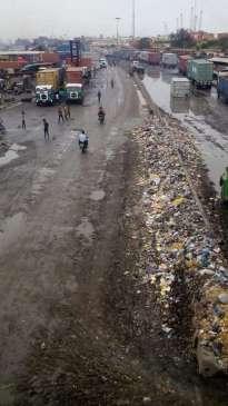 Apapa/Mile 2 highway on bad state