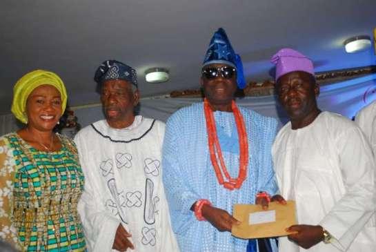 Senator Oluremi Tinubu,Alhaji Tajudeen Olusi,Oba Rilwan Akiolu,Oba of Lagos and Alhaji Fatai Sanni