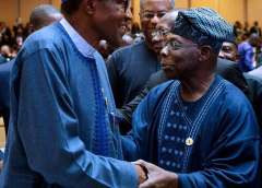 Obasanjo, Buhari In Warm Embrace At Council Of State Meeting
