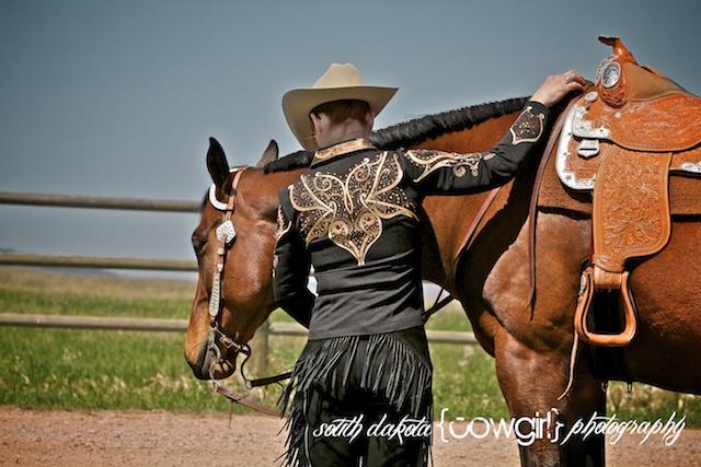 south dakota cowgirl photography, south dakota cowgirl, show horse photography, show horse photographers