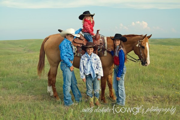 south dakota cowgirl photography, cowgirl photography, family western photography
