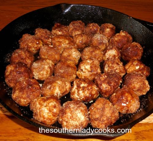 Cinnamon Roll Biscuit Bites1