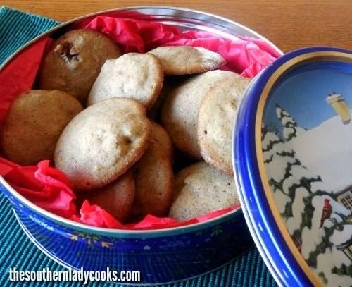 Clove cookies