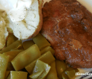 APPLESAUCE PORK CHOPS – Crock Pot Recipe