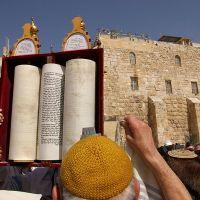 Most Jews Turn to God