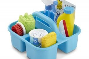 Melissa & Doug Spray, Squirt & Squeegee Play Set $15.99 (Regular $19.99)