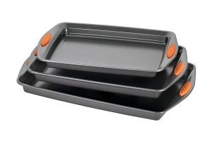 Rachael Ray 3-Piece Nonstick Bakeware Pan Set $16.79 (Regular $22.99)