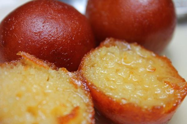 How to Make Gulab Jamuns at home