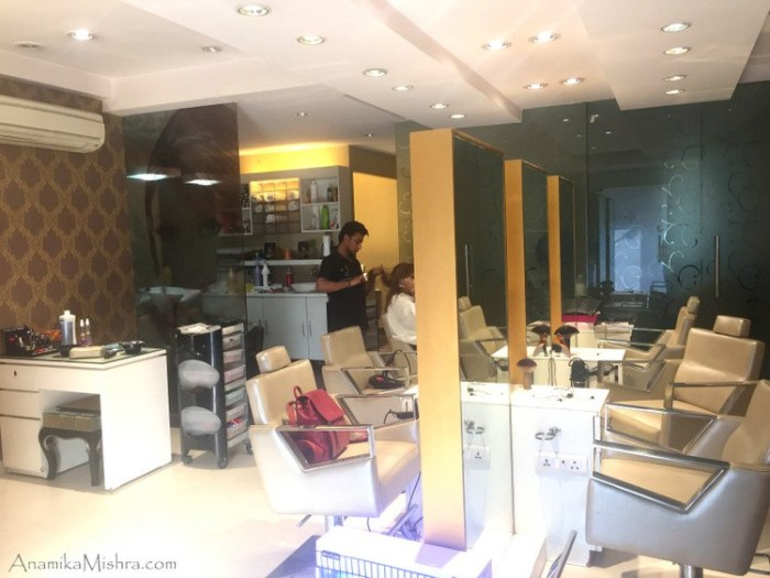 meenakshi-dutt-makeovers-salon