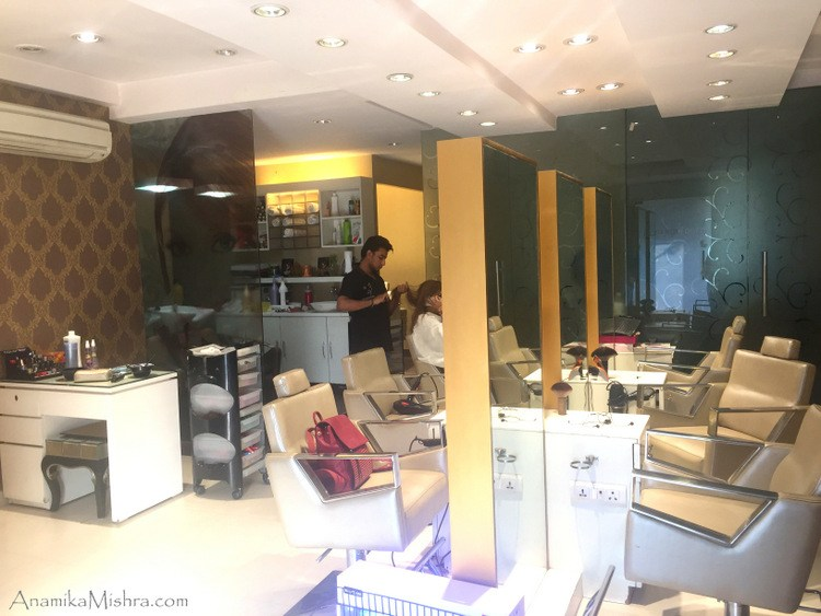 meenakshi-dutt-makeovers-salon
