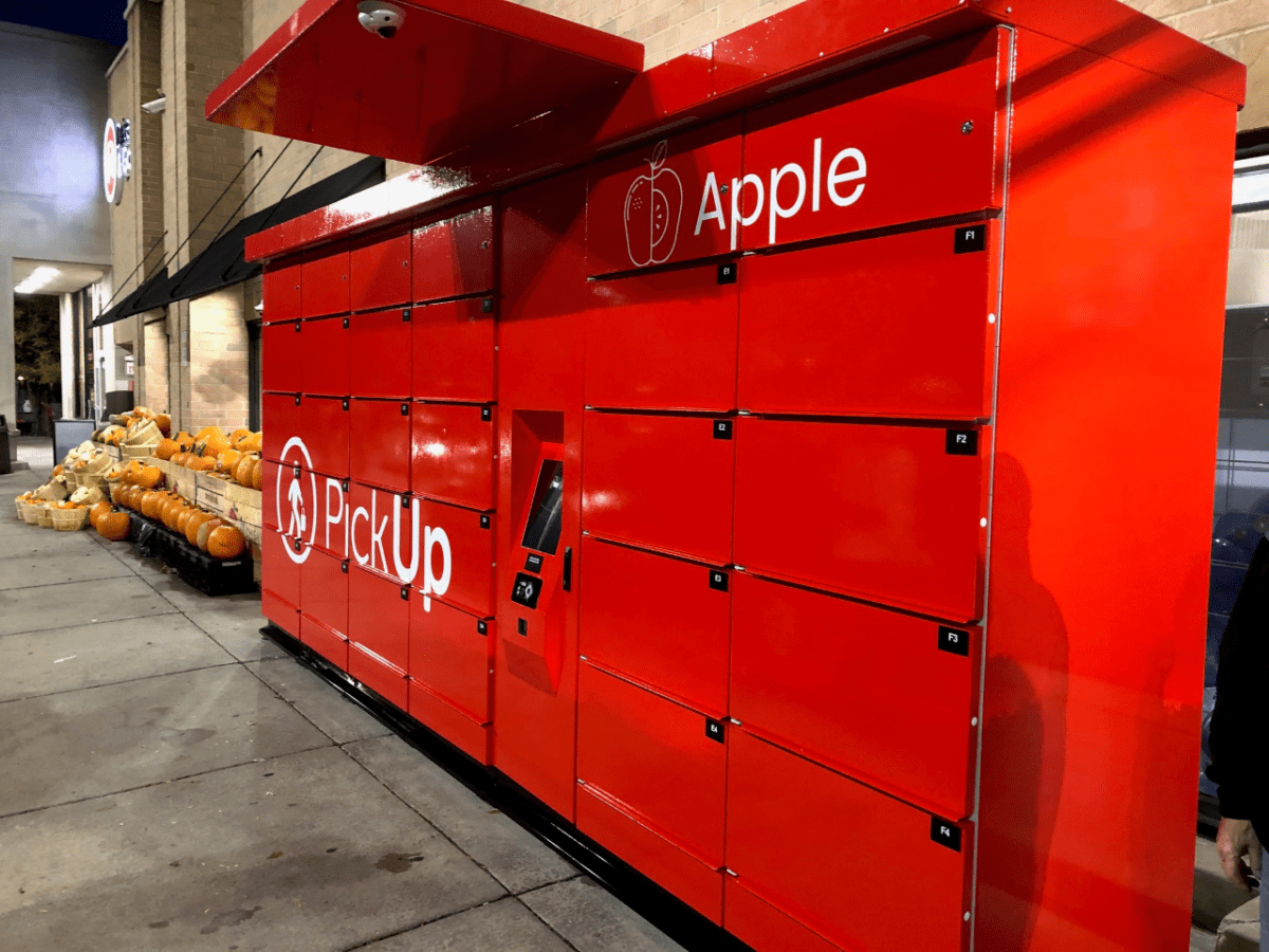 Albertsons Pilots Temperature-Controlled Lockers to Expand Pickup Options