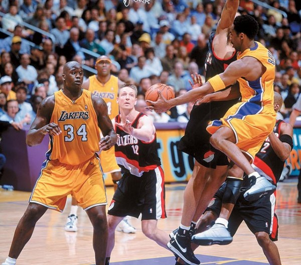https://i1.wp.com/thesportsfanjournal.com/wp-content/uploads/2011/12/lakers-kobe-shaquille-600x528.jpg