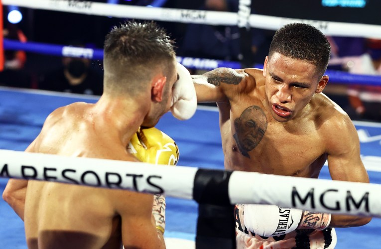 Franco upsets Moloney to win Super Flyweight Title (In Photos)