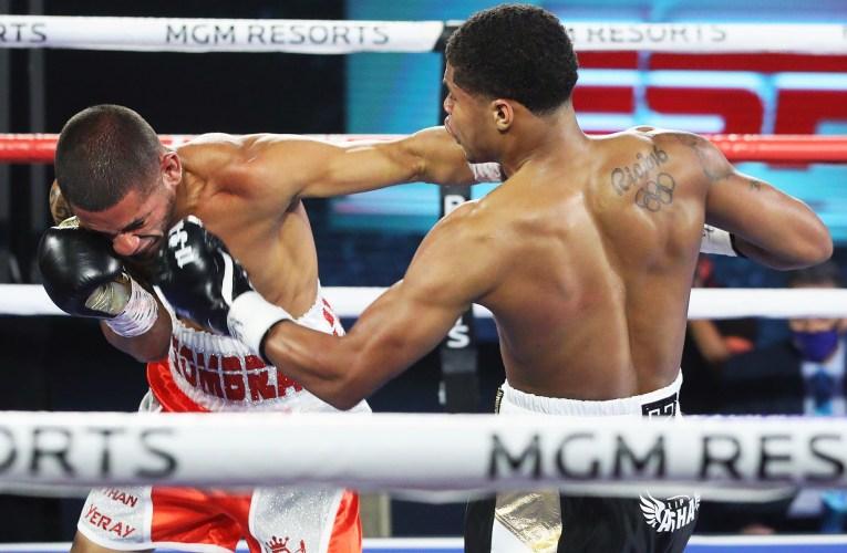 Stevenson outclasses Caraballo, Boxing is Back