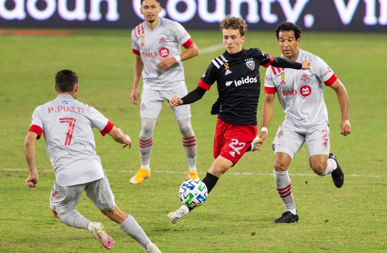 Yow's late strike helps United secure a draw over Toronto FC