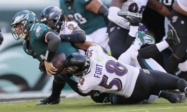 Early lead helps Ravens survive Eagles comeback for road win