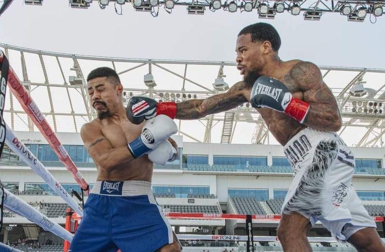 Roach Jr. makes quick work of Rosas for second-round win