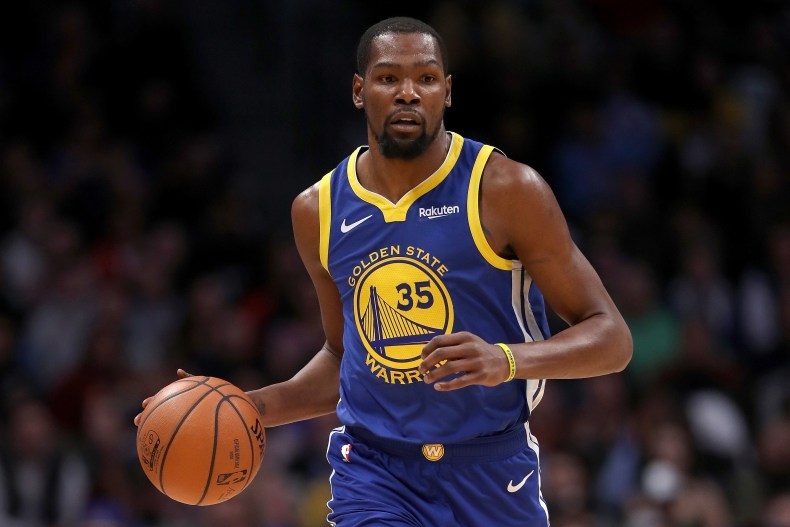 kevin-durant-center-college-students-1548343062.jpg