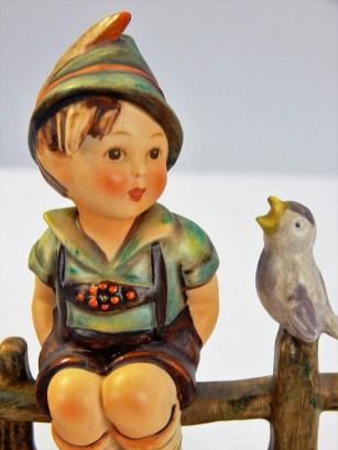 figurine-1584625_640
