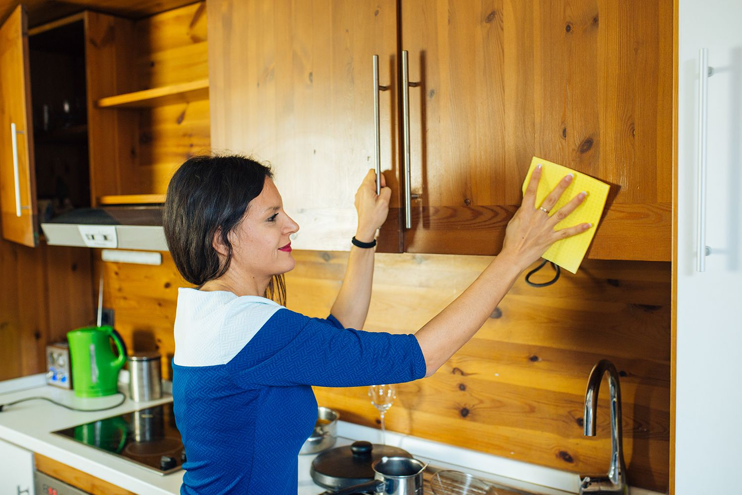 Tips For Cleaning Food Grease From Wood Cabinets