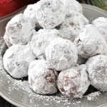 Easy No Bake Rum Balls