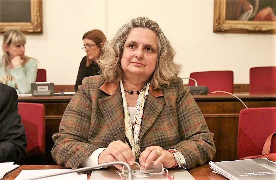 """Πρόεδρος Ενώσεως Εισαγγελέων Άννα Ζαΐρη: """"Κανείς δεν μπορεί να υποχρεωθεί στον εμβολιασμό - Απολυταρχική κίνηση""""!"""