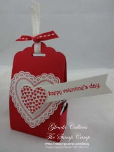 Scallop Tag Topper Punch Treat Box
