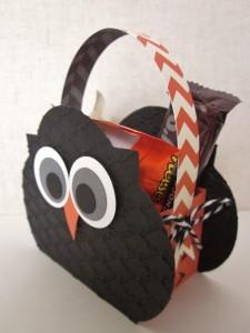 Owl Window Framelit