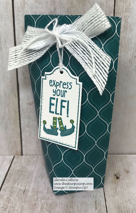 Day 7 in my 12 Days of Christmas Gift Giving Ideas. Today's gift is a pouch to hold the Starbucks Espresso Beans! Yum! Details on my blog here: https://wp.me/p59VWq-aBN #stampinup #thestampcamp #treatholder #christmas