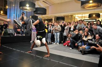 Breakdancers from the My Life Foundation