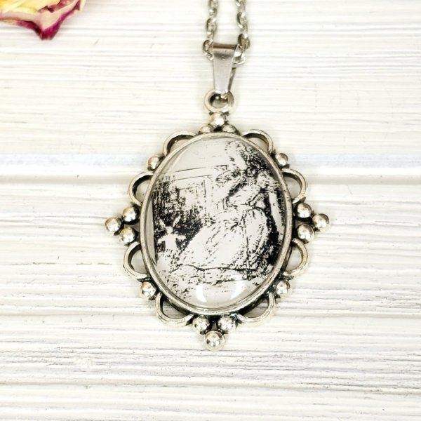 Alice in Wonderland Giant Alice Necklace in Silver
