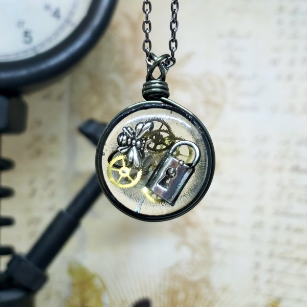 Steampunk Necklace in Gunmetal Simple Wire Wrap Small