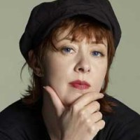 "Top 10 ""Story Songs"" # 9 Suzanne Vega (The Queen And The Soldier)"