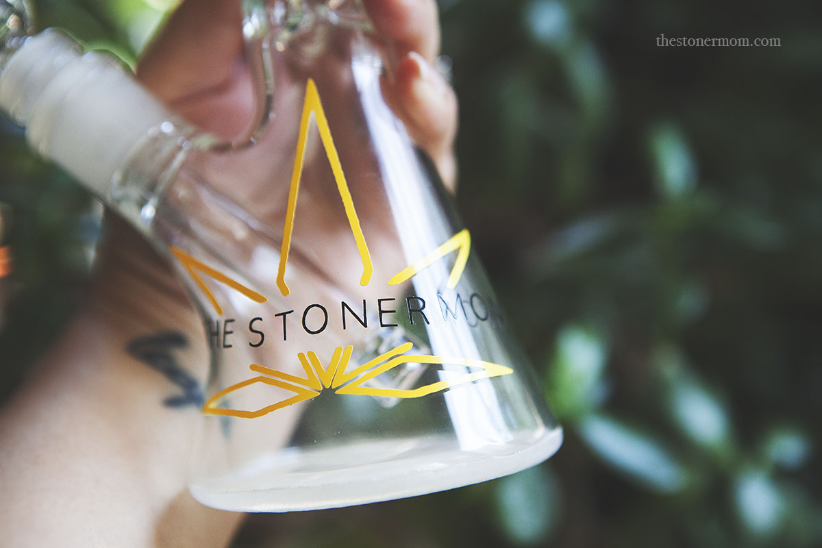 Glass Giveaway Smoke Sesh | The Stoner Mom Show