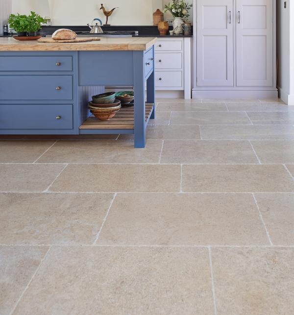 Calcot Limestone Tumbled Finish Kitchen Tiling