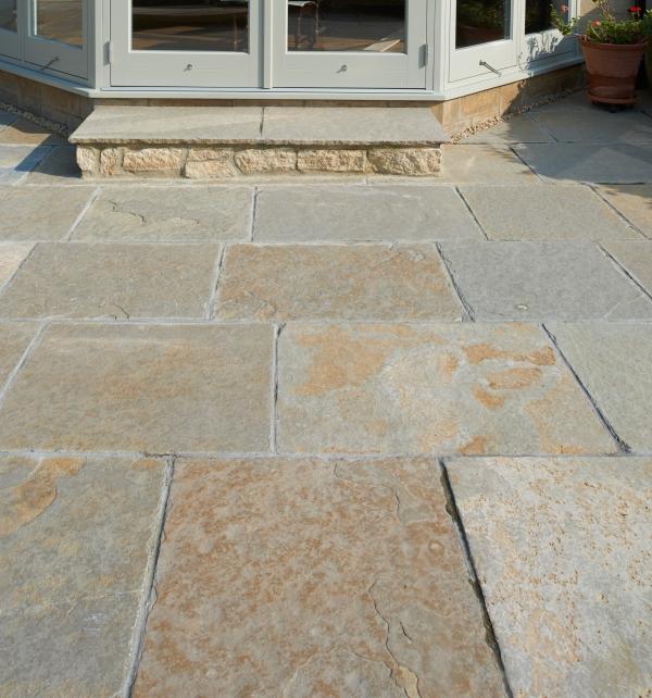Farley Limestone Worn Finish external paving