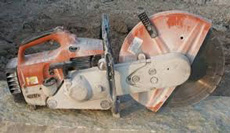 Diamond masonry saw used in dry stone walling