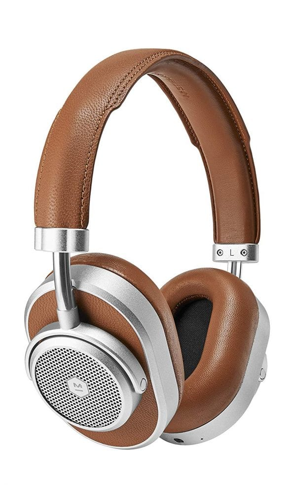 The-Storied-Life-Holiday-Gift-Guide-Master-And-Dynamic-Noise-Cancelling-Headphones