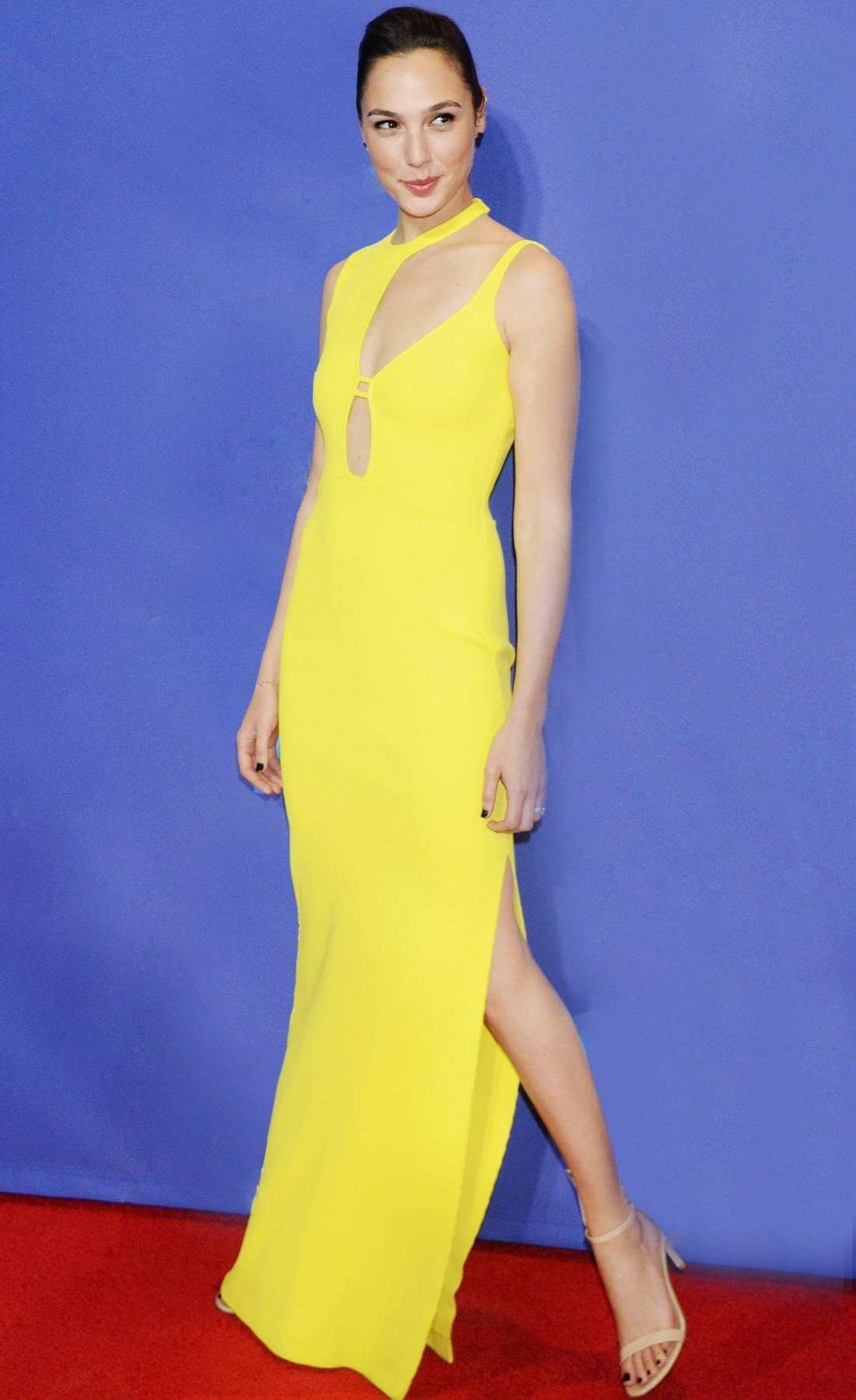 Actress Gal Gadot wearing Esteban Cortazar Spring 2018 dress styled by Elizabeth Stewart Celebrity Stylist for 29th Annual Palm Springs International Film Festival Awards Gala