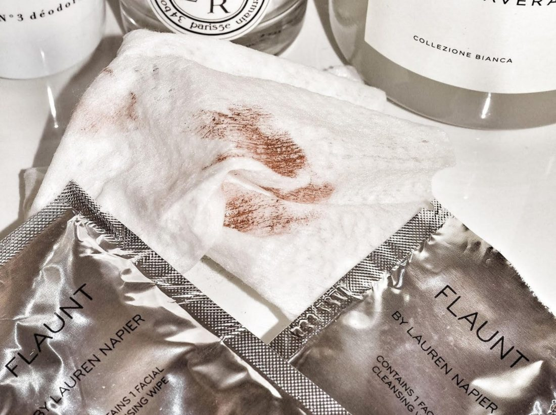 Lauren-Napier-Beauty-Flaunt Wipes-The-Storied-Life-3