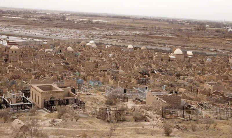 A cemetery in modern Khwarezm, Uzbekistan (photo by Don Croner).