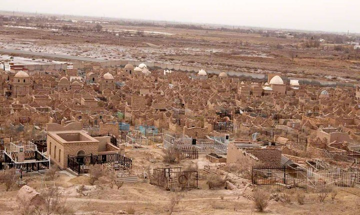 A cemetery in modern Khwarezm, Uzbekistan (photo by Don Croner).