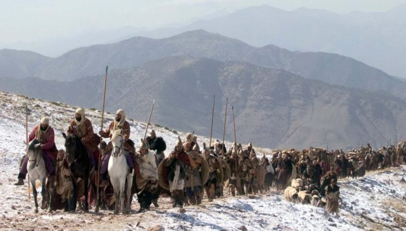 Alexander's army marches into Bactria.