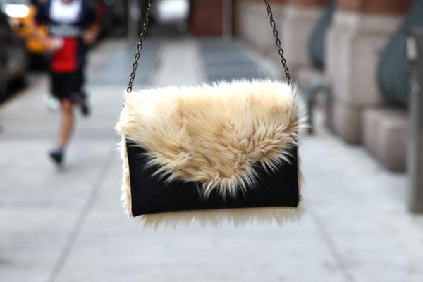 DIY-Faux-Fur-Bag-2