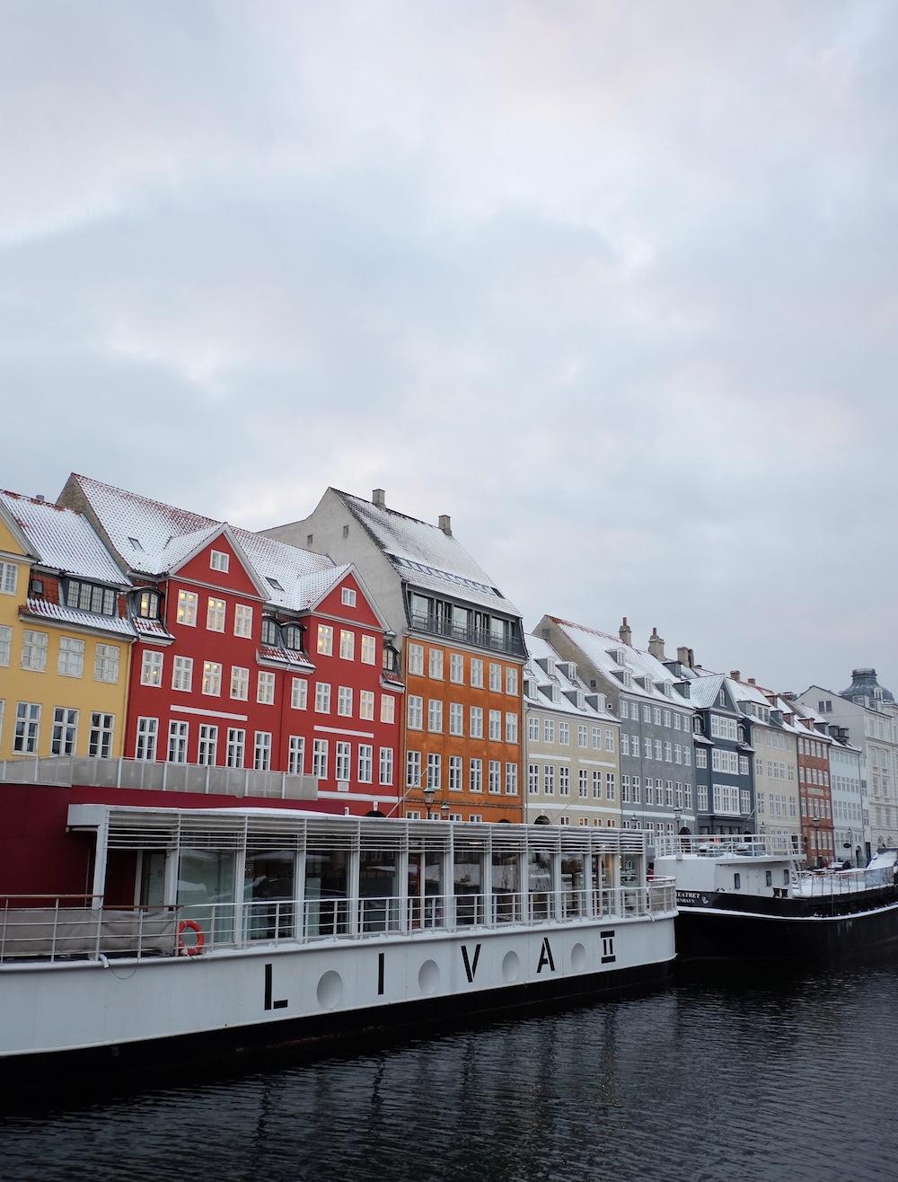 48 hours in copenhagen - rainbow buildings along nyhan