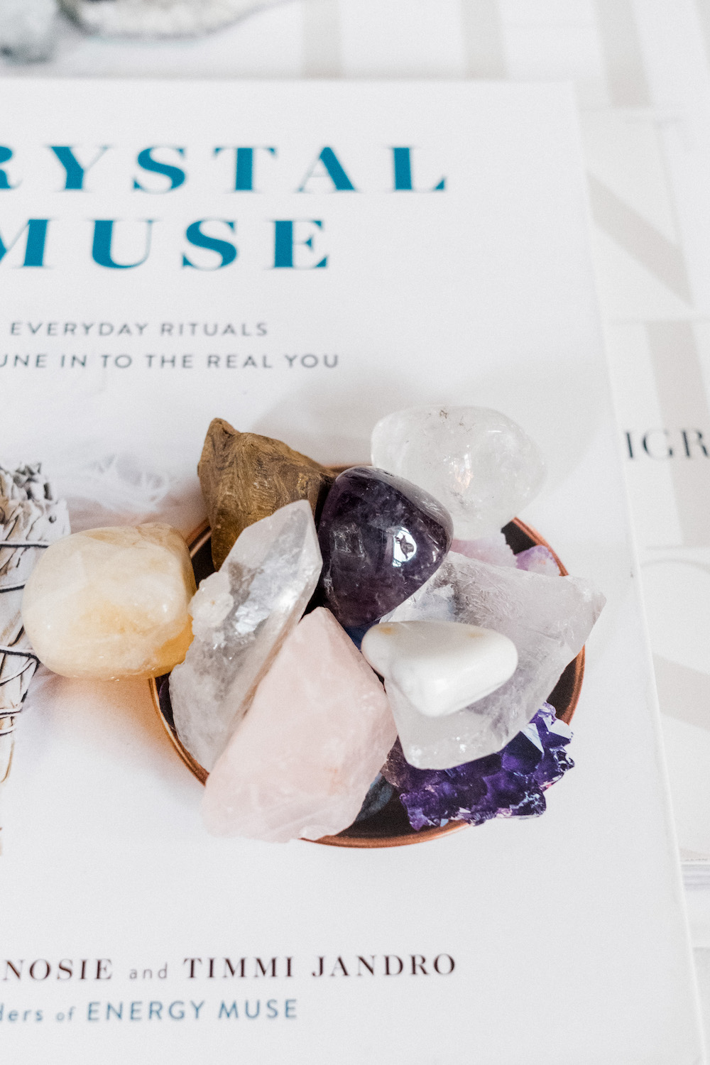A Beginner's Guide to Healing Crystals & How To Use Them