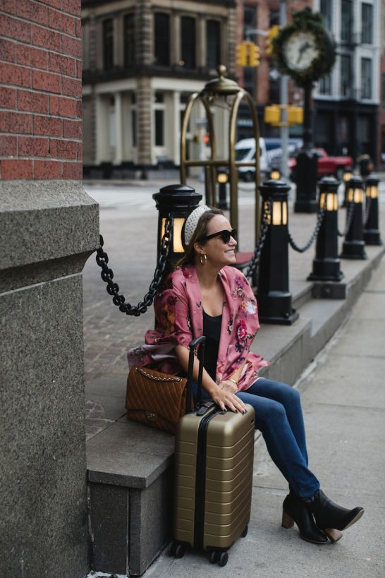 How to Travel in Style and Comfort & Best Travel Outfits