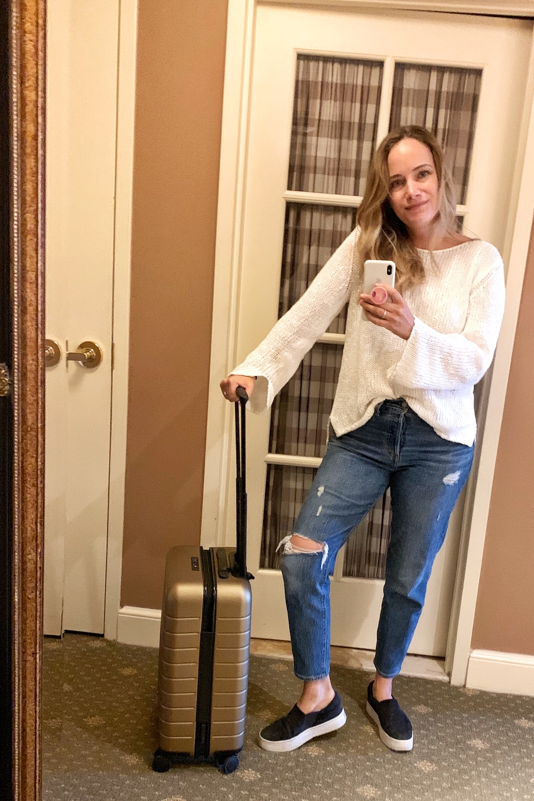 what i wore:MM La Fleur Sweater // Levi's Wedgie Jeans(plus version here) //Vince Warren Sneakers // AWAY Suitcase