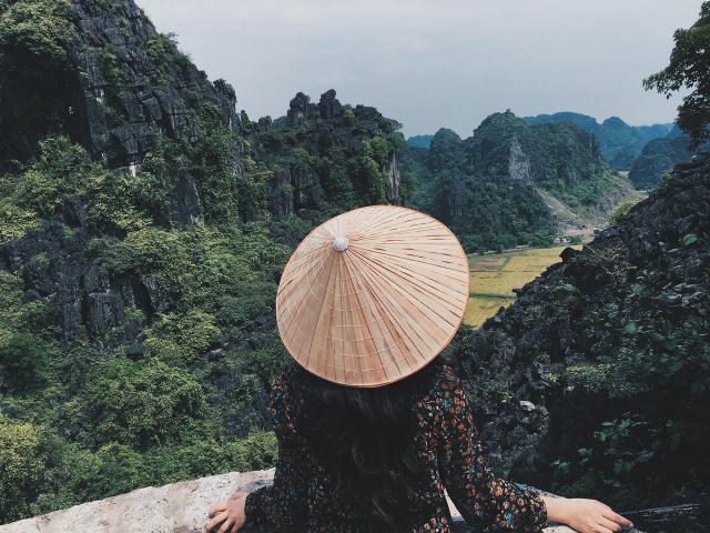 woman-wearing-a-hat-2602490