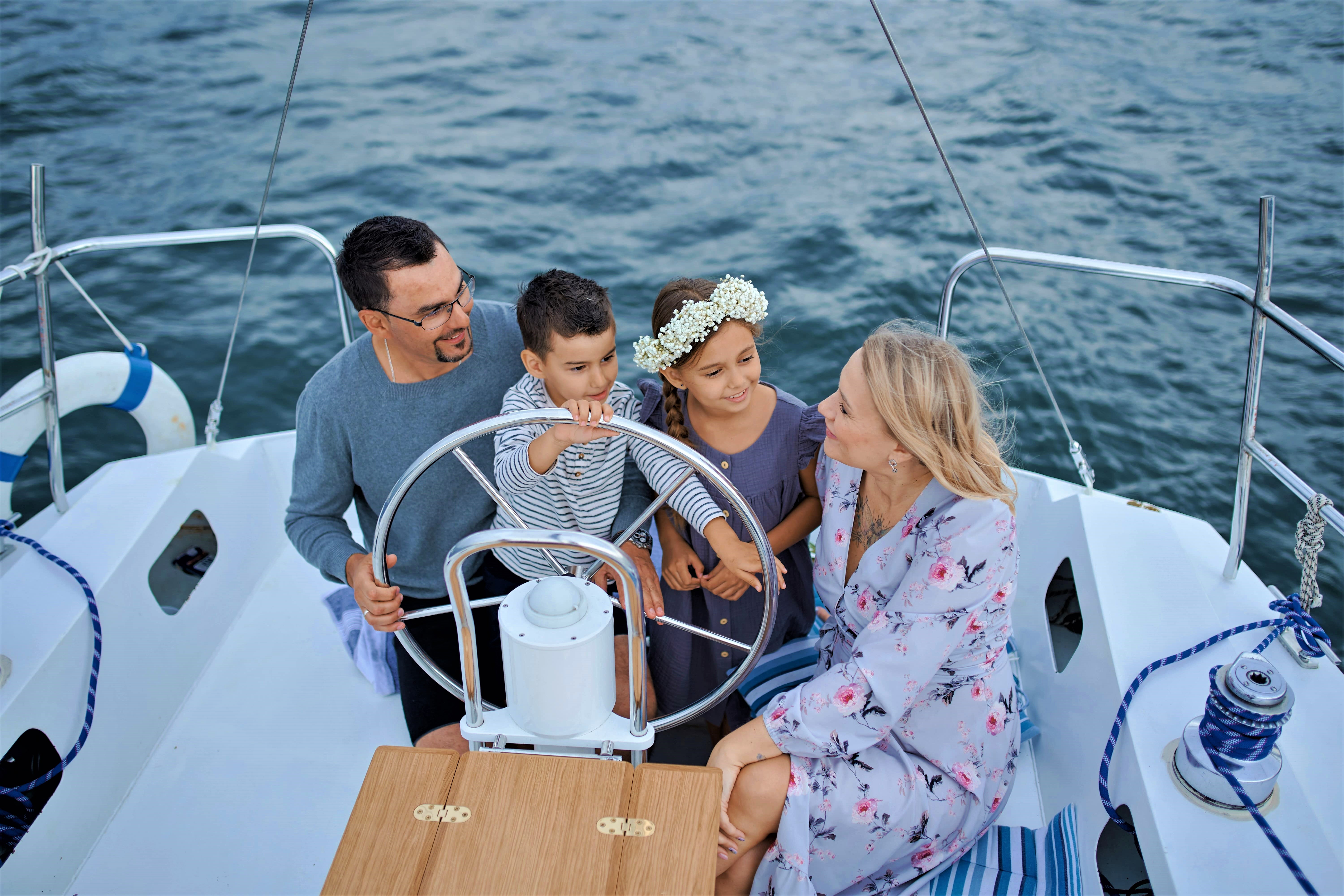 Why Should You Charter A Sailboat For Your Next Holiday